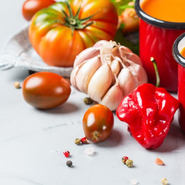 Piękne, zdrowe i kolorowe. 5 przepisów na wiosenne zupy