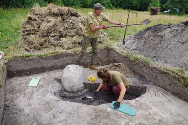Datowanie węglowe stosowane w archeologii