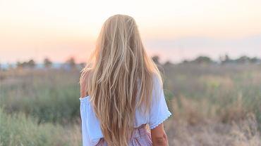 Marzysz o błyszczących włosach? Pomoże składnik, który masz w kuchni