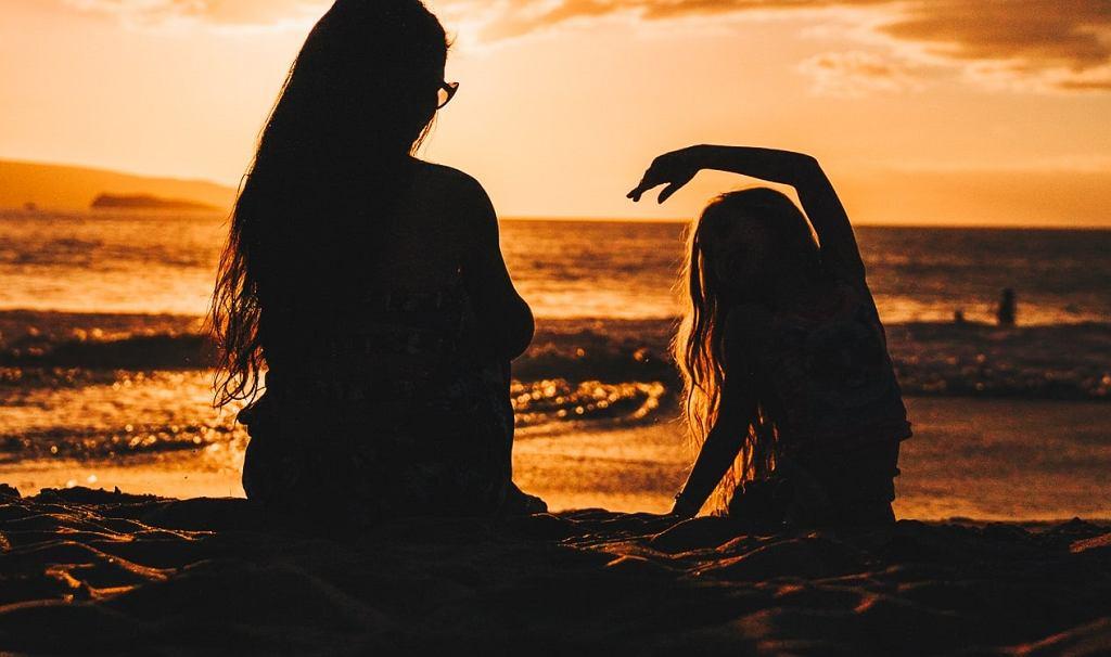 Wesprzyj córkę w dojrzewaniu - budowanie relacji na linii matka i córka to misja na całe życie