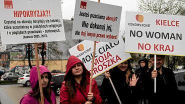 Manifestacja przeciw zakazowi aborcji. Kielce, 9.04.2016