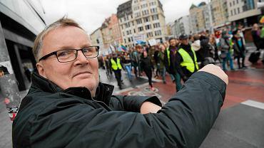 Senator PiS Waldemar Bonkowski podczas marszu równości. Wrocław, 8 października 2016