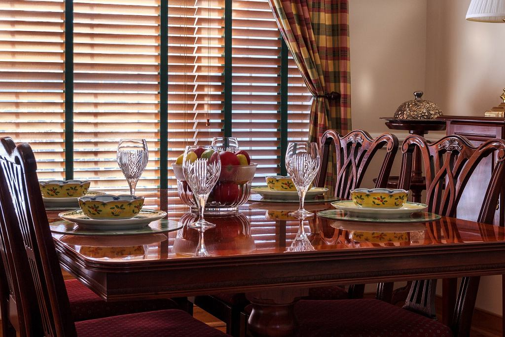 Urządzamy jadalnię - jak dobrać krzesła oraz stół?