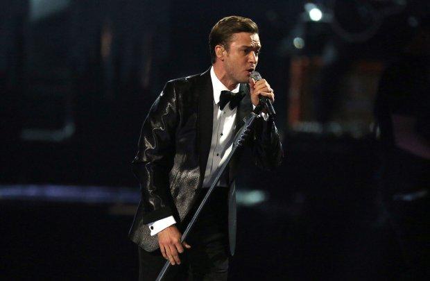 Justin Timberlake podczas występu na gali rozdania nagród Brit Awards