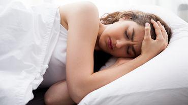 Migrena to silny ból głowy, pojawiający się bez jednoznacznej przyczyny i utrudniający wykonywanie podstawowych czynności