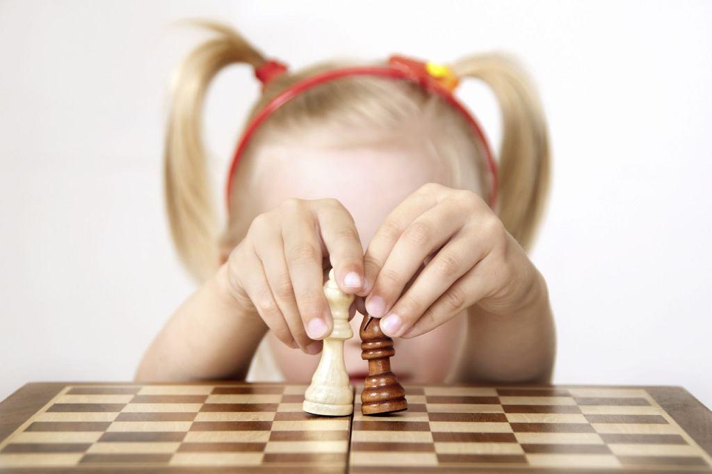 Gry dla przedszkolaków są coraz fajniejsze! A i te, które my znamy z dzieciństwa ciągle są na czasie. Jakie gry planszowe wybrać?