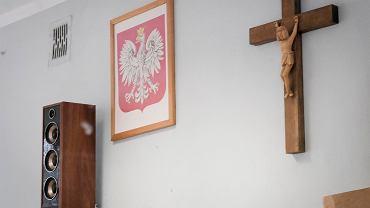 Nauczycielka zdjęła ze ściany krzyż. Sąd Najwyższy oddalił skargę Ziobry