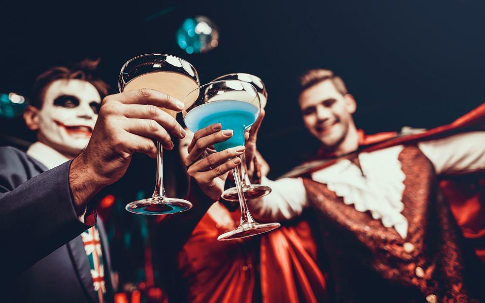 Drinki na Halloween. Zdjęcie ilustracyjne