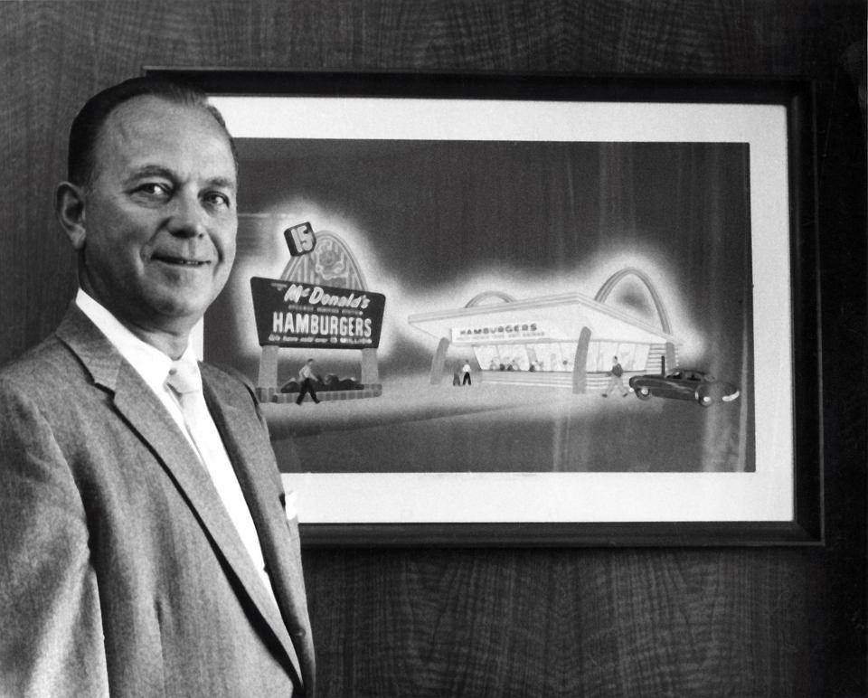 Zdjęcie numer 1 w galerii - Ray Kroc - człowiek, który dał nam fast foody
