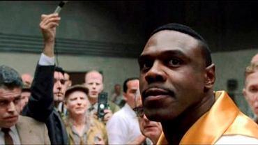 Kadr z filmu 'Ali'