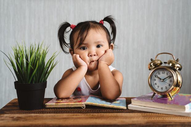 Nudzę się - często to słyszysz? Podsuwamy garść pomysłów na spędzenie czasu z dzieckiem w domu