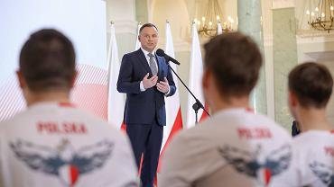 Prezydent powołał Narodową Drużynę Esportu w grę Fifa 19