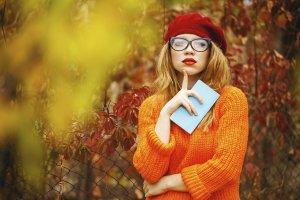 Jak nosić beret? Kilka wskazówek stylistki