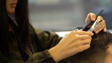 Jak obciąć włosy męskie w domu?