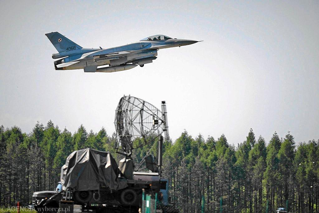 Baza Lotnictwa Taktycznego Polskich Sił Powietrznych - samoloty F-16