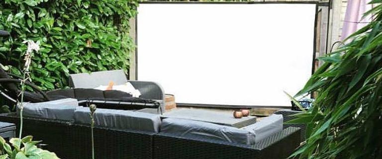 Ekrany projekcyjne: stwórz kino w domu lub na świeżym powietrzu. Polecamy!
