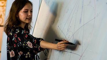 Justyna Jaworska z XIII LO w Szczecinie jest pierwszą od 22 lat dziewczyną, która będzie reprezentowała Polskę na Międzynarodowej Olimpiadzie Matematycznej.