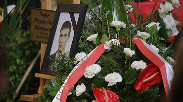Pogrzeb z państwowymi honorami Przemysława Piotrowskiego, jednego z dwóch strażaków, którzy oddali życie w akcji gaśniczej na terenie dawnych zakładów PMB