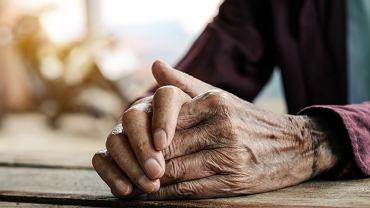 Kluczowe czynniki ryzyka śmierci na COVID-19: rasa, wiek i płeć zostały potwierdzone w największych jak dotąd badaniach