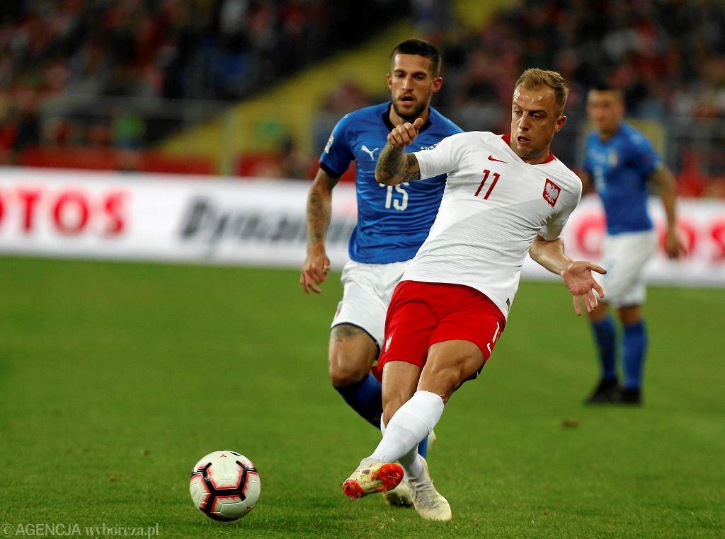 Reprezentacja Polski rozegrała kolejny przeciętny mecz pod wodzą trenera Jerzego Brzęczka. Spotkanie z Włochami było drugim meczem na śląskiej ziemi w ramach Ligi Narodów. Po porażce z Portugalią (2:3), tym razem białoczerwoni nie znaleźli sposobu na Włochów. Po słabej pierwszej połowie, po przerwie Polacy stworzyli więcej okazji pod bramką rywala. Gole jednak nie wpadły dla żadnej z drużyn (0:0).