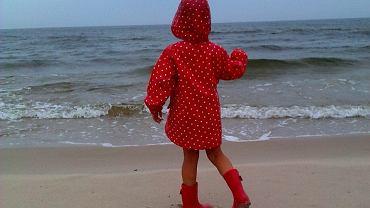 Podobno spacer brzegiem morza jest najzdrowszy podczas deszczu