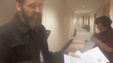 Irlandzki polityk został wezwany przez PE do usunięta materiału wideo.