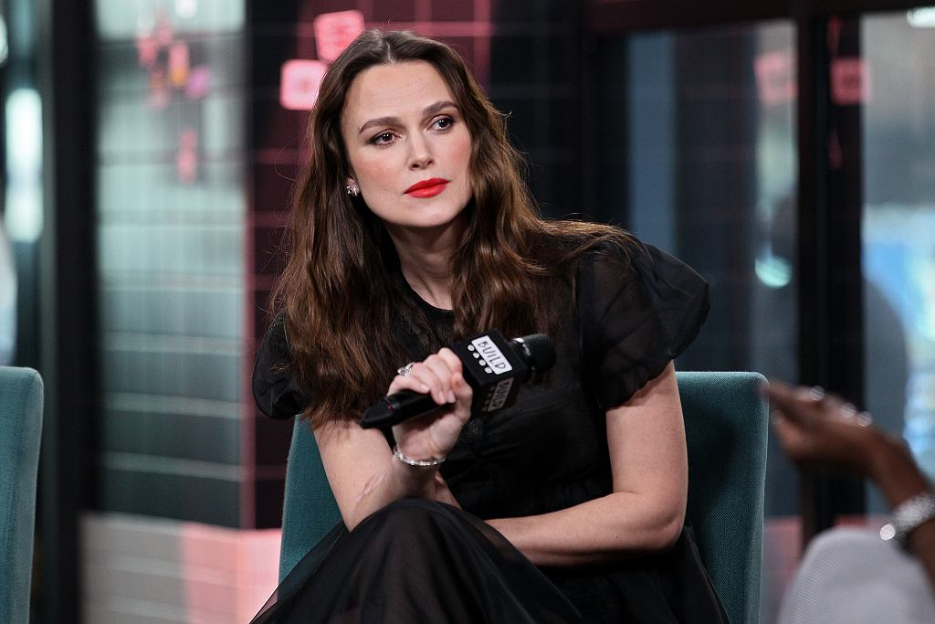 Brytyjska aktorka nie zgadza się na obarczanie kobiet całą odpowiedzialnością za wychowywanie dzieci.