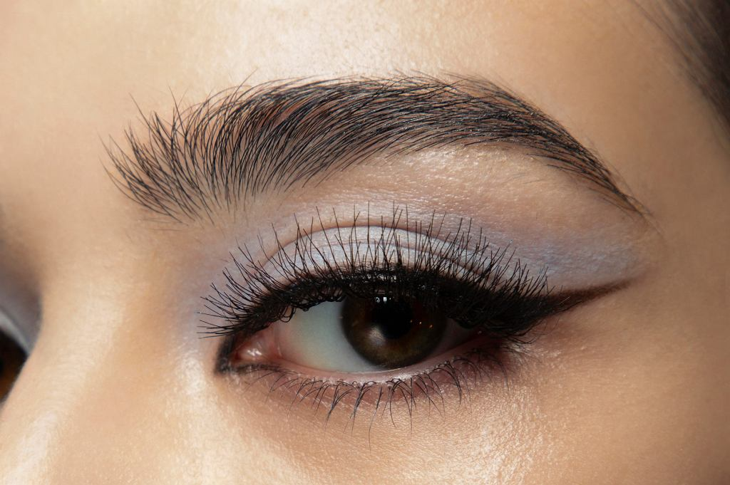 makijaż oka na jesień
