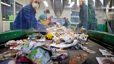 Co roku zwiększają się wymagane poziomy recyklingu odpadów w zakresie papieru, szkła, metali i tworzyw sztucznych