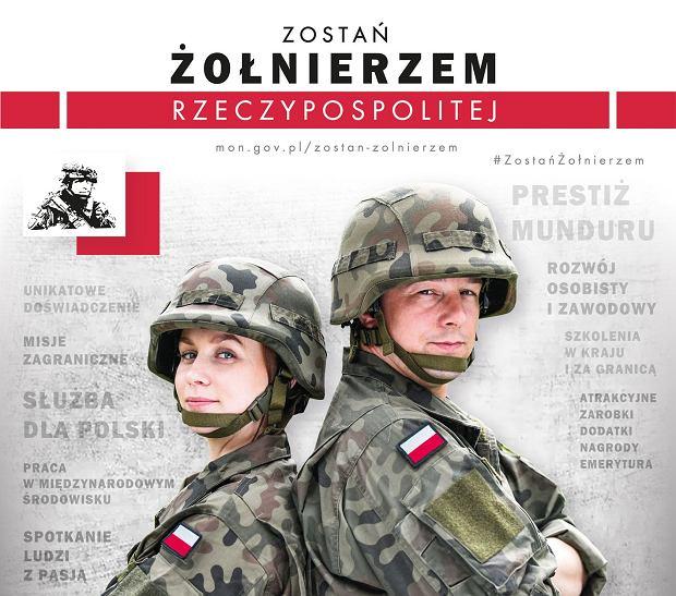 Plakat nowej polskiej kampanii rekrutacyjnej jest w porównaniu do brytyjskich konserwatywny