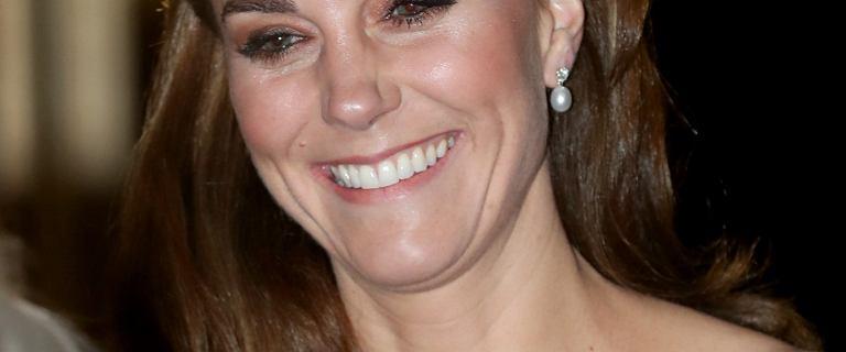 Księżna Kate w opasce z Zary. Jej cena? Śmiesznie niska!