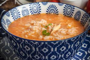 Zupa pomidorowa ze świeżych pomidorów - idealna w sezonie. Jak ją zrobić? Podpowiadamy