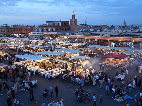 Widok na placu Dżami al-Fana