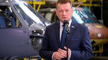 Minister Obrony Narodowej Mariusz Błaszczak podczas podpisania umowy na dostawę śmigłowców Black Hawk dla sił specjalnych Wojska Polskiego.