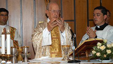 Ojciec Marcial Maciel Degollado podczas mszy świętej w 2005 r.