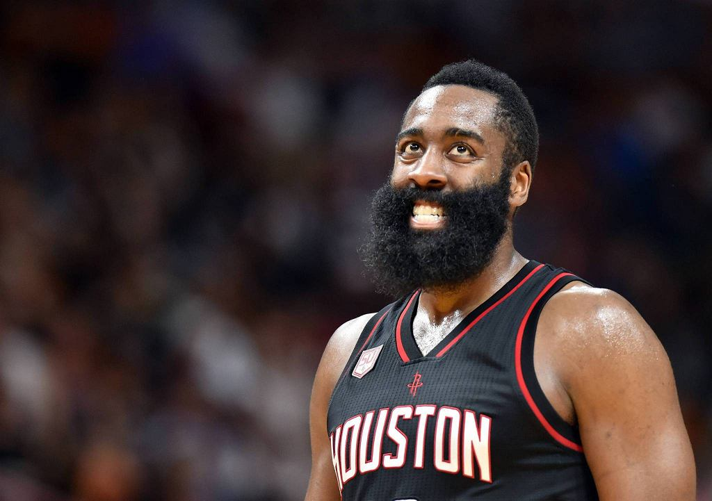 James Harden w meczu Miami Heat - Houston Rockets