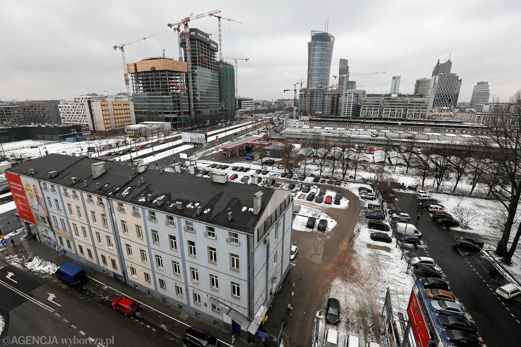 Biurowiec przy ulicy Srebrnej 16 w Warszawie.