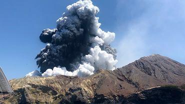 Wybuch wulkanu na Wyspie Białej, Nowa Zelandia.