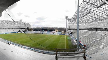 26 listopada 2013. Stadion Górnika Zabrze w dniu kiedy inwestor wypowiedział umowę generalnemu wykonawcy