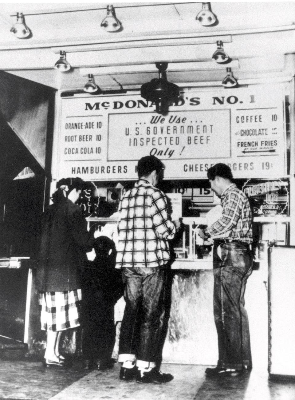 Zdjęcie numer 2 w galerii - Ray Kroc - człowiek, który dał nam fast foody