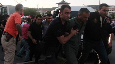 Aresztowania po próbie zamachu stanu w Turcji