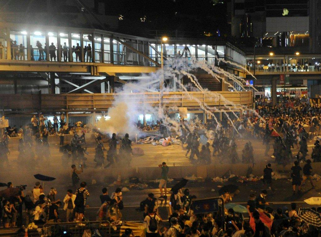 Szef lokalnej administracji Leung Chun-ying zapowiedział, że nie poda się do dymisji