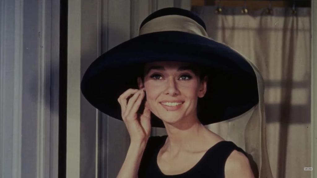 Audrey Hepburn w 'Śniadaniu u Tiffany'ego'.
