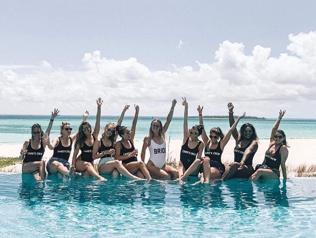 Caroline Wozniacki spędza wieczór panieński na Bahamach i zachwyca idealną sylwetką