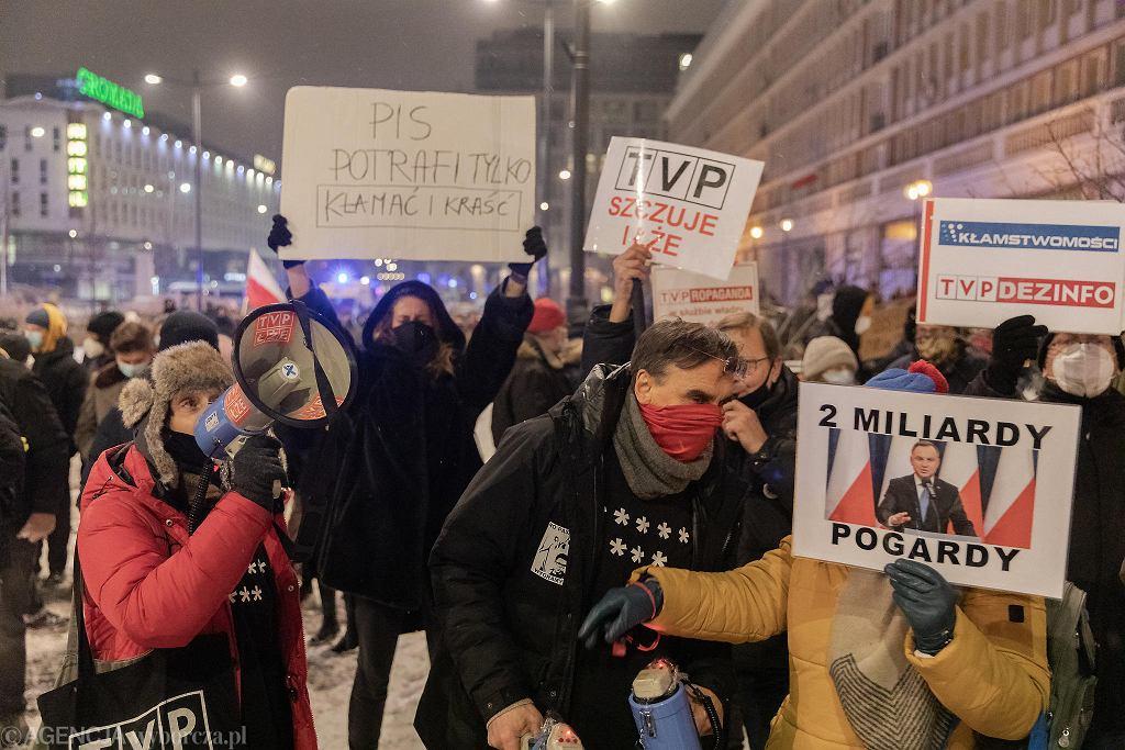 Środowy protest pod TVP w obronie wolności mediów