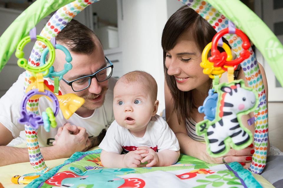 Emilia Cendrowska z mężem Rafałem i synem Leonem