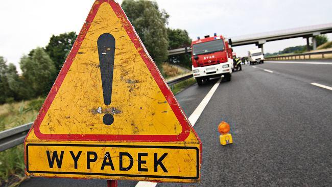 02ffaa66128c0 Wypadek na autostradzie A4. Droga zablokowana w obu kierunkach. Utrudnienia  w ruchu