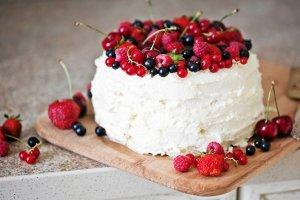 7 ciast z wiśniami do upieczenia w tym tygodniu