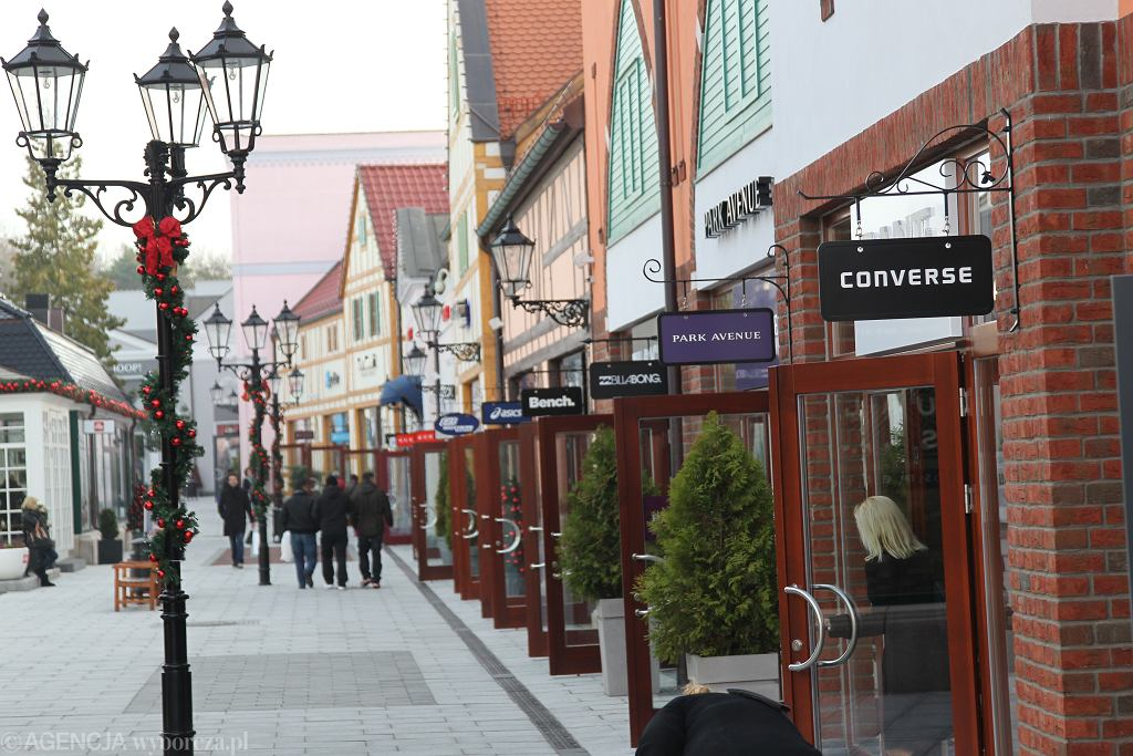 Niemcy wprowadzają rejestracje do sklepów
