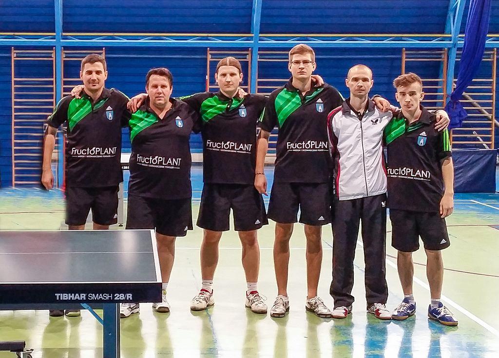 MUKS Fructoplant Gąbin. Od lewej: Michał Buła, Robert Wojnarski, Andrzej Wawrzyniak, Tomasz Kowalczyk, Dmitrij Fareitarau, Mikołaj Krzewicki